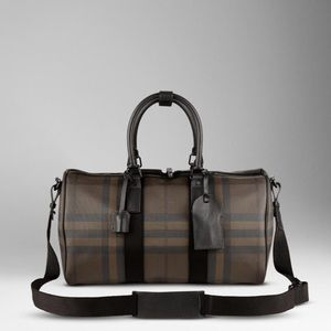 Burberry duffle in excellent condition!
